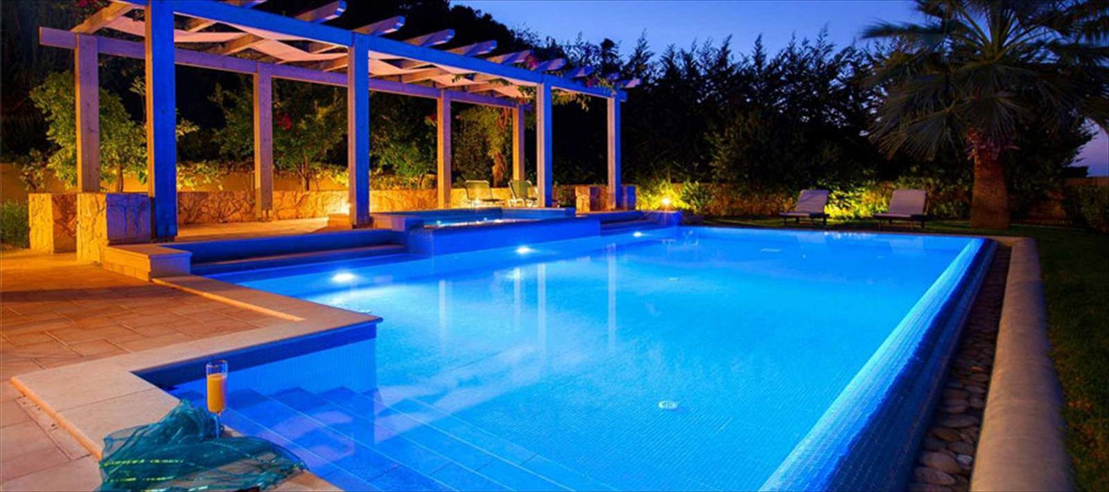 Kefalonia villas villa holidays villas with pools for Villas with infinity pools