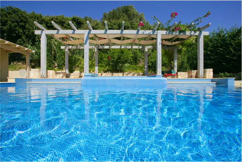 Villa Alexandra shaded jacuzzi and infinity swimming pool