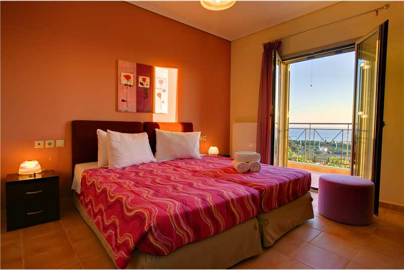 Villa Alexandra twin bedroom with private balcony