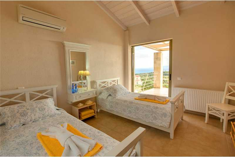Villa Corali twin bedroom