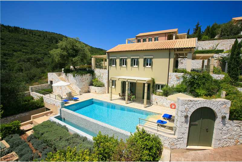 Villa Dentrolivano enjoying a peaceful location