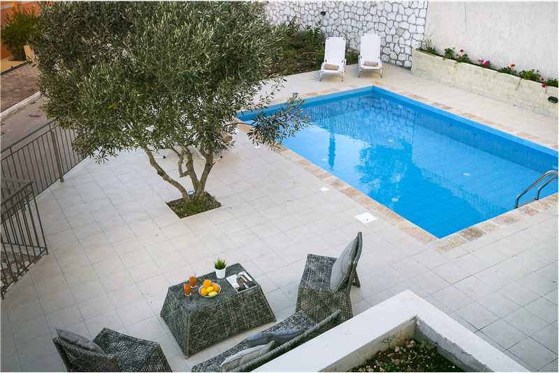 Villa Isalos terrace and pool (2)