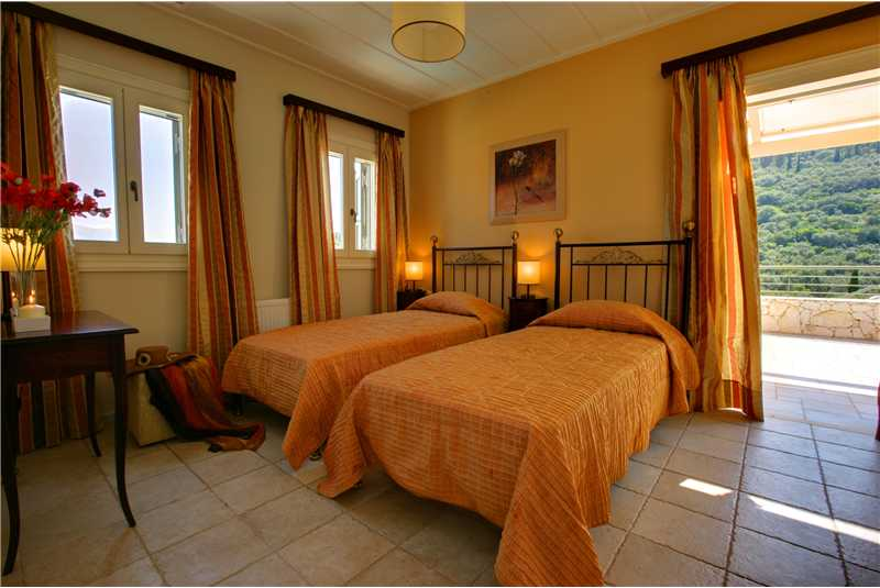 Villa Levanda twin bedroom with en suite shower room and private balcony