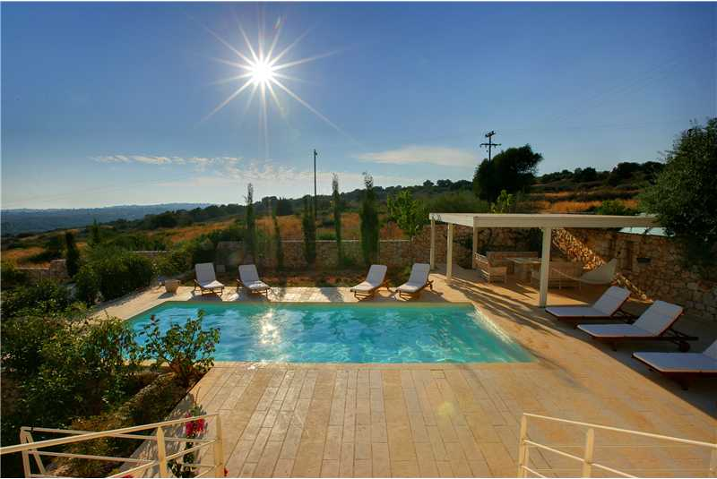Villa Linatela pool with stunning countryside views.bmp