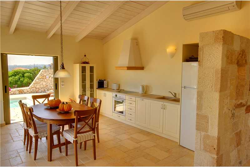 Villa Litorina fully equipped kitchen and dining area