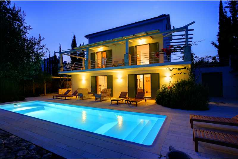 Villa Telina at night