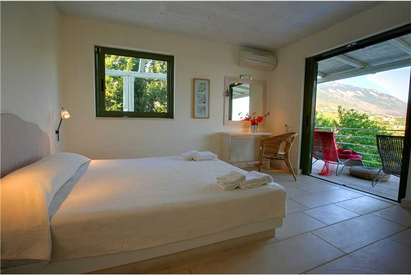 Villa Telina first floor double bedroom
