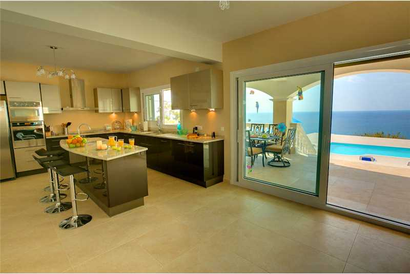 Villa Pessada open plan kitchen