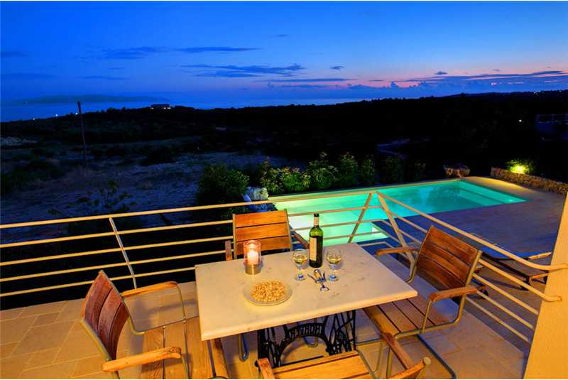 Villa Xteni relax at night with a glass of wine